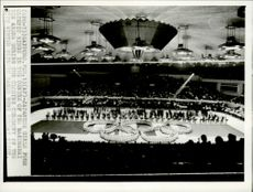 The closing ceremony for the Olympic Games in Sapporo was held at Makomanai Arena, where ice hockey, skating and figure skating were finalized.