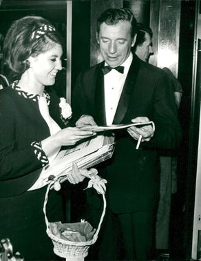 """Yves Montand during the film premiere of the """"Grand Prix"""""""