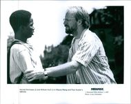 Harold Perrineau and William Hurt in a scene of the movie,