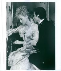 """Film: """"The Age of Innocence"""" Starring Michelle Pfeiffer and Daniel Day‑Lewis. 1993"""