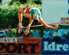 Staffan Strand skips high jump.