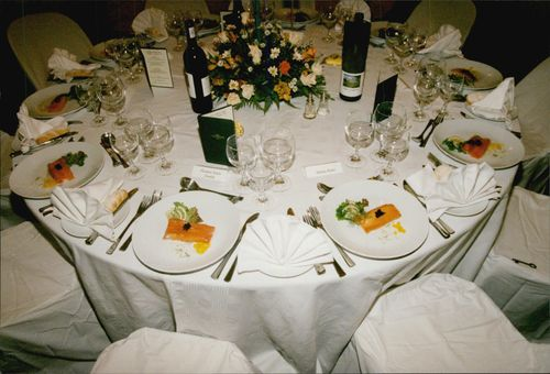 Dukat table at a dinner organized by Nelson Mandela in Somerset West after the Nelson Mandela Tribute Tournament