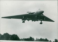 Aircraft: Military:Delta Bomber, The 4-Engines AVRO 698