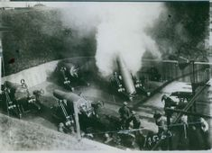 Soldiers operate their cannon during the WWI.