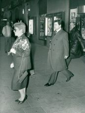 Boris Pankin leaves Stockholm Concert Hall after the Federation of Sweden-Soviet Union concert