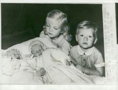 Little princess Marie Astrid and Prince Henri look at the newborn siblings the twins Jean and Margaretha