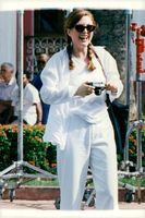 """Actress Julianne Moore during the filming of the movie """"Deadly Meeting"""""""
