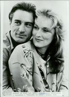 "The actors Robert DeNiro and Meryl Streep in the movie ""Falling in Love"""