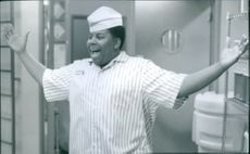 Kenan Thompson (Dexter) comes up with an idea that will not only help the Good Burger restaurant, but one that will especially help himself, 1997.