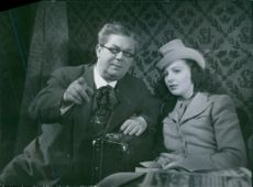 Erik 'Bullen' Berglund and Signe Hasso in the film Den ljusnande framtid, 1941.