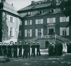 Berga Castle has become a school for Stockholm's military station and Berga Fortune Schools (BÖS). - 2 July 1946