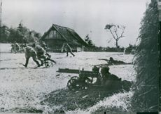 Russians battle on the border of east Prussia.