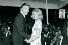 Kirk Douglas and his wife Anne Buydens, 1970.