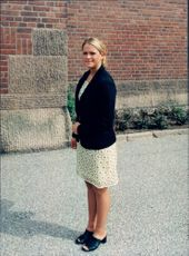 Princess Madeleine finishes ninth grade in Carlsson's school.