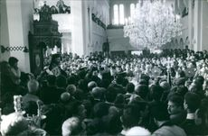 A crowded church. 1974