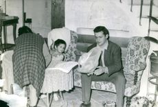 Serge Reggiani spending time with his family.