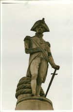 Statue of lord nelson in trafagar.