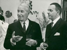 Maurice Chevalier visits the French Embassy