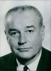 U.S. Politicians Governor Winthrop Rockefeller  Governor of Arkansas scince January 1967; he is a Republican.   Year: 1968