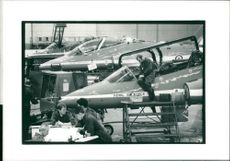 Red arrows aircraft:hawks on winter servicing.