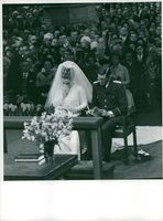 Princess Margriet and Pieter van Vollenhoven in their wedding.