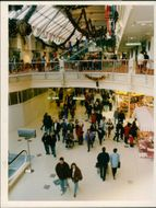 SUNDAY SHOPPERS IN CASTLE MALL