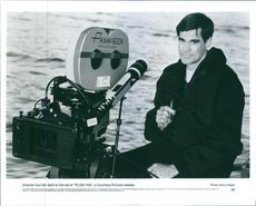 Director Gus Van Sant on the set of the film To Die For.