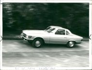 Motor car marcedes:Benz to seat roadcaster.