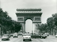 France, Traffic & Communications - Arc de Triomphe