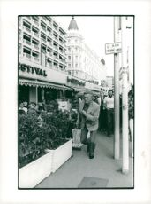Kirk Douglas on his way to viewing at the Festival Palace in Cannes