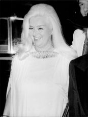British actress Diana Dors arrives at Palladium to see Liza Minnelli