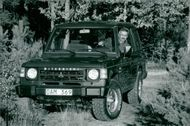 Anders Hultman in his Mitsubishi Pajero V6