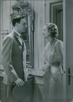 A scene from the film Bröllopsresan (The honeymoon) with Håkan Westergren and Anne-Marie Brunius, 1936.