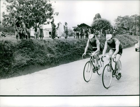 A CYCLE RACING COMPETITION