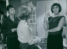 A scene from the film For friendship's sake. 1965