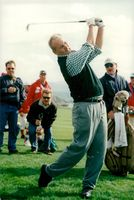Bill Murray actor is playing golf