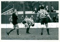 Referee John Pearson blows time after Graham Jenion missed the kick against Richmond