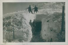Soldiers standing in the bunker during Tyskland war.