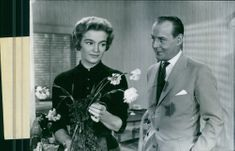 Hasse Ekman  and Eva Henning in a scene of the movie