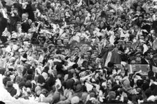 Crowd gathered for Pope Paul VI.