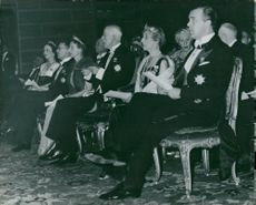 Nobel Prize Award in the Concert Hall: Gustaf VI Adolf, Louise Mountbatten, King Gustav V and Gustaf Adolf
