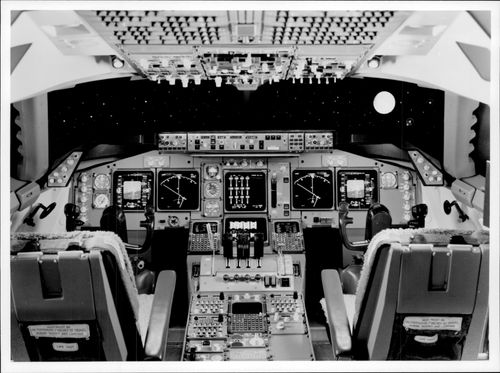 Cockpit from a Boeing 747-400.