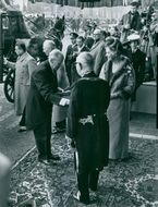 People arriving at wedding of Princess Margriet of the Netherlands and Pieter van Vollenhoven1967.