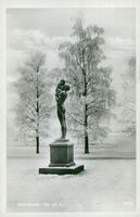 "Östersund statue ""Father and Son"" postcard"