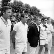 The tennis players Nicki Pilic, John Newcombe, Mats Hasselqvist, Roger Taylor and Dennis Ralston