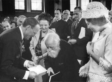 Queen Juliana during the award function in which Prof. Martin BAber has been awarded Erasmus Prize.