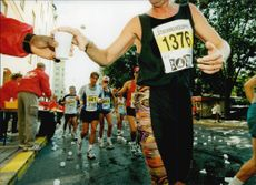 Thirsty athletes participate during the 14th Stockholm race.