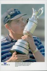 Justin Leonard won Sport open before Jesper Parnevik and Darren Clark.