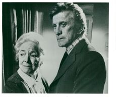 """Kirk Douglas and Helena Hayes in the """"Bank"""""""