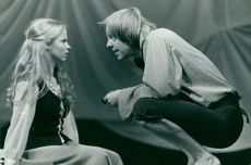 "Katarina Gustafson like Lisa and Bengt Virdestam as Per in Dramat's performance of ""Lycko-Pers Travel"""